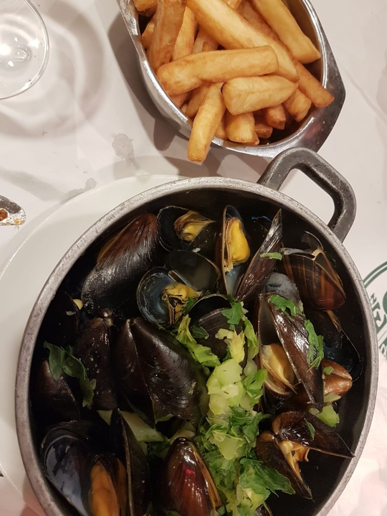 MOULES &FRITES