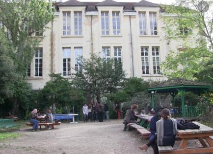 Non à la baisse de la dotation horaire du lycée autogéré de Paris