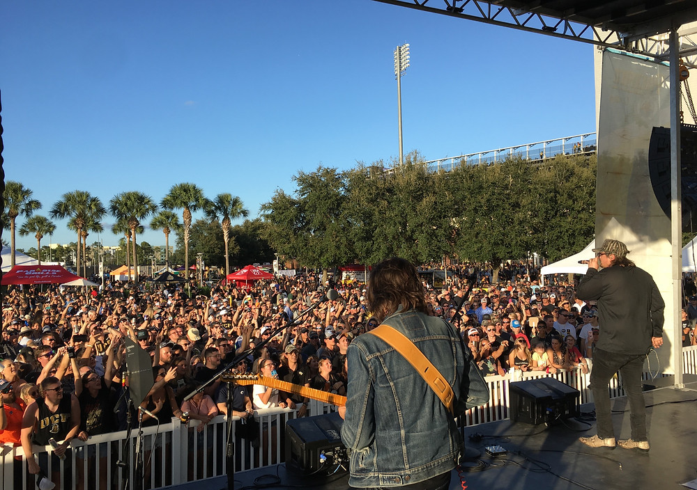 Hardy hits the Pacifico Stage with a chart full of singles and a beer in hand for the UCF Tailgate Concert Series!