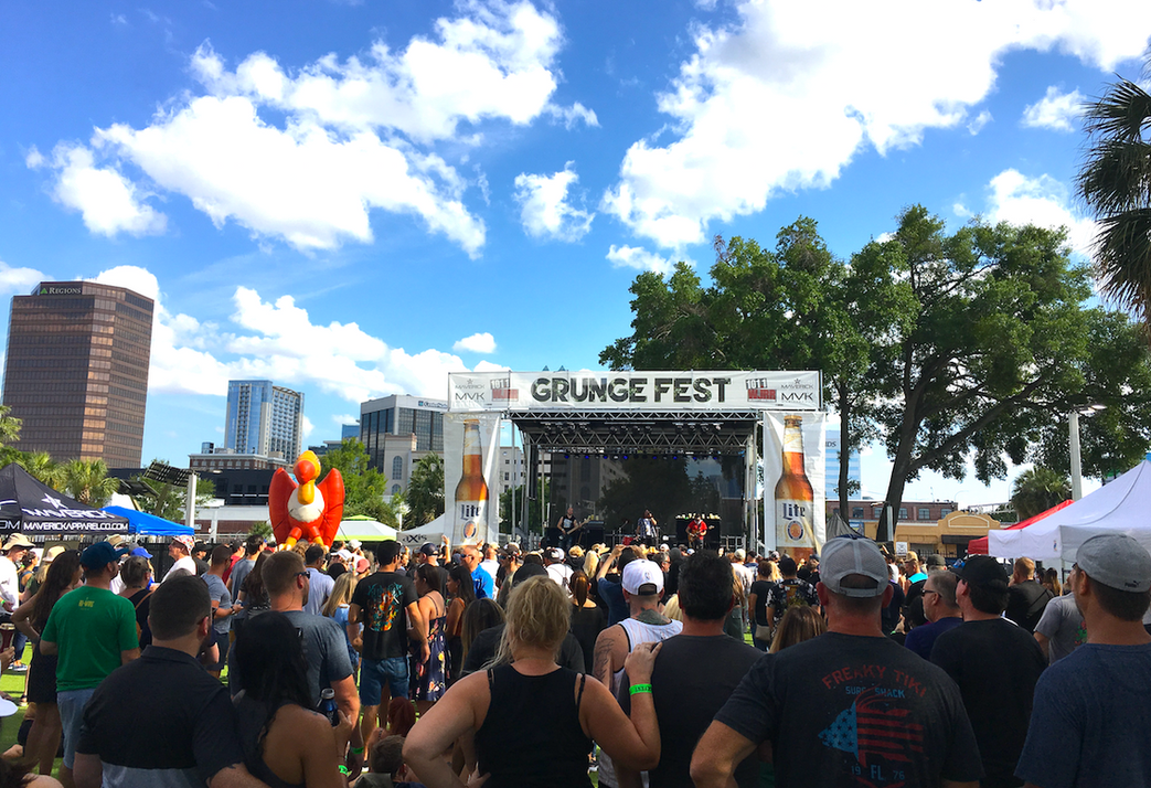 aXisPro-Mobile-Stage-SL100-Grunge-Orlando2.png