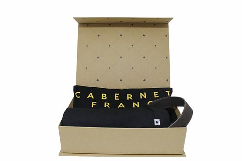Kit Camiseta + Wine Bag na Caixa Livro