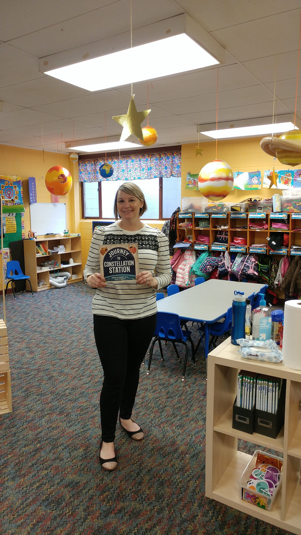 Children's Author Lindsay Barry Waiting for the kids in a classroom