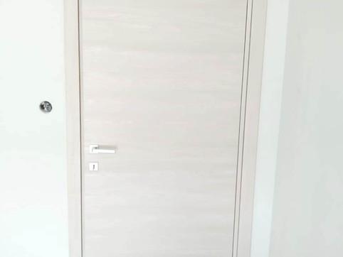 Μοντέρνες, μίνιμαλ πόρτες με κρυφούς μεντεσέδες