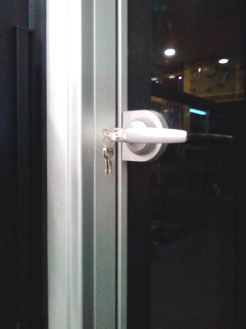 Γυάλινη πόρτα διάφανη ή αμμοβολή με κάσα αλουμινίου