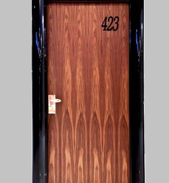PT hotel door shiny laquer1  εσωτερικές
