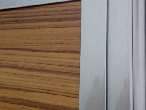 Πόρτες Ασφαλείας Αντιδιαρρηκτικής Κλάσης 3 από την LOFT - ξύλο Teak με ασημί κάσα
