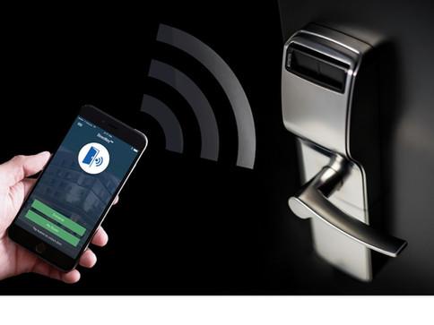 Οι κάρτες της κλειδαριάς μπορεί να είναι βρώμικες - τώρα άνοιγμα με το κινητό