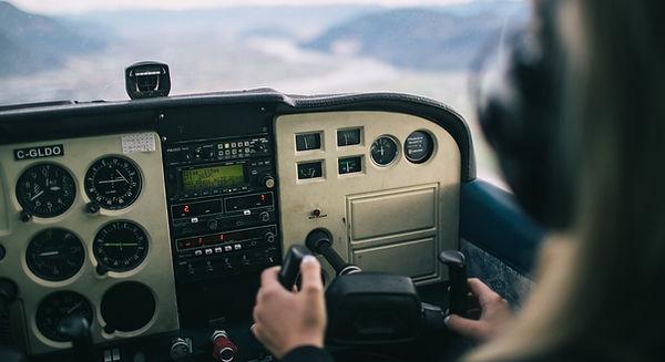 вождение самолета