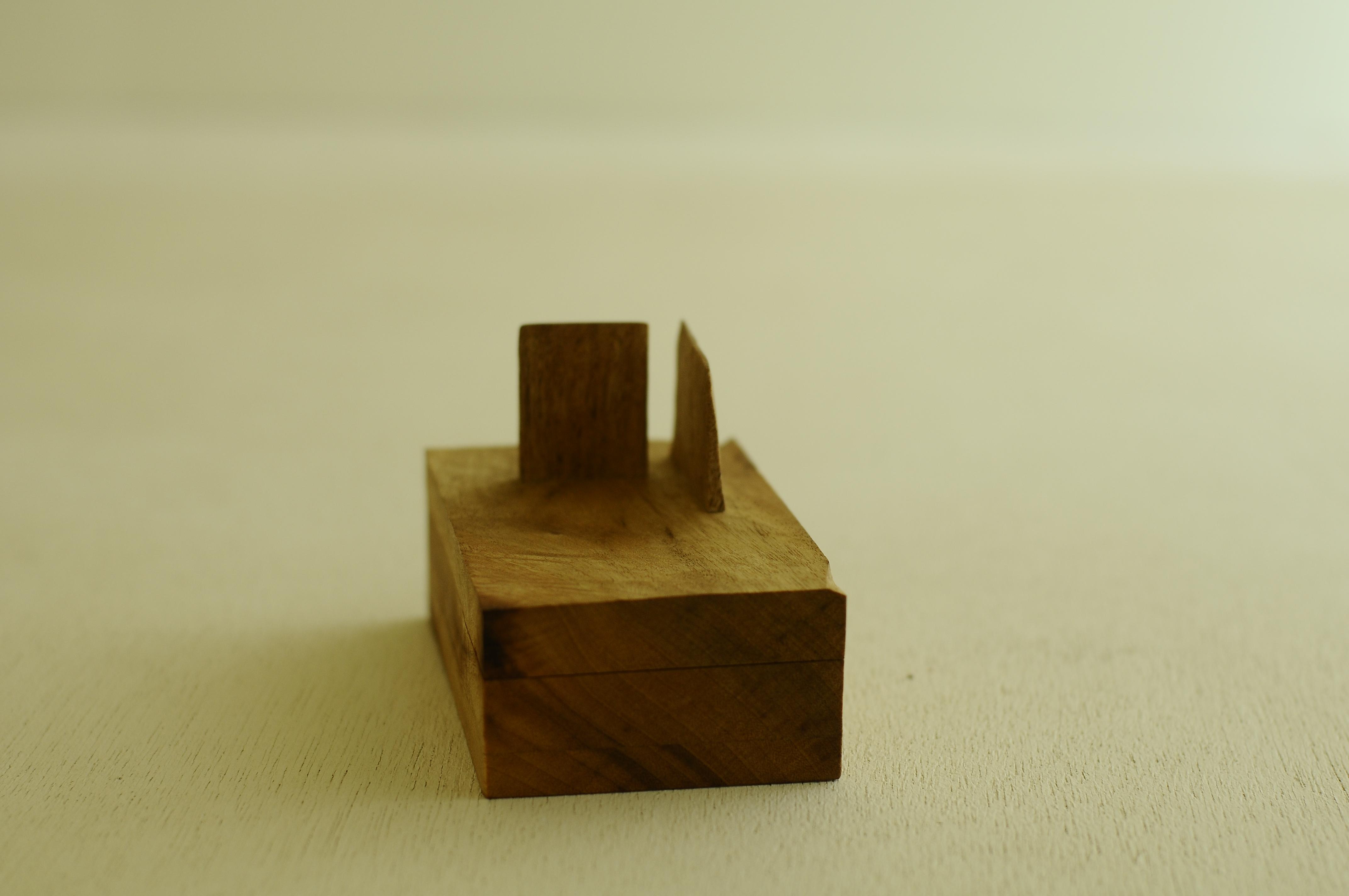壁のある箱
