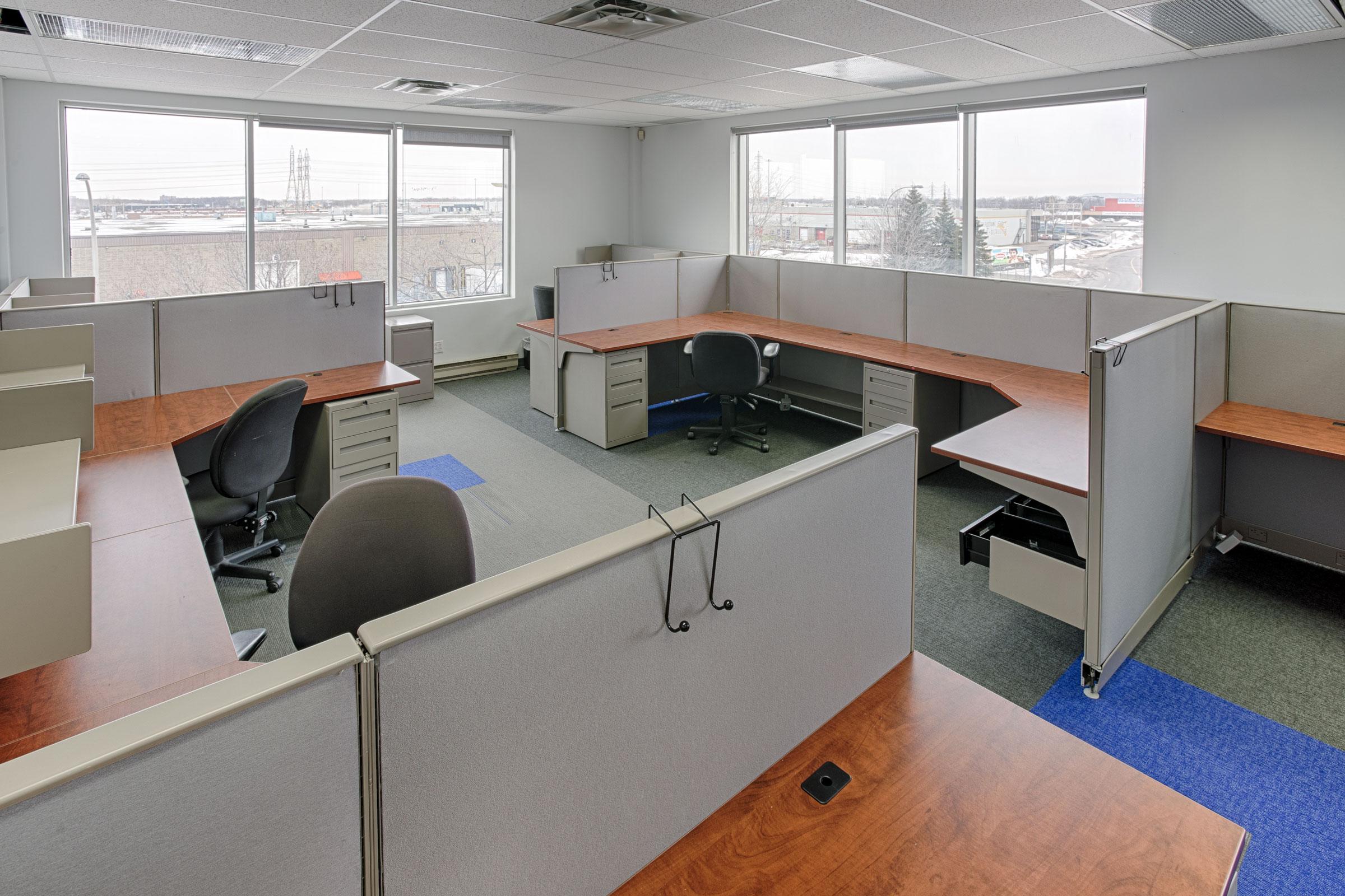Plateau de bureaux à louer ou vendre à laval