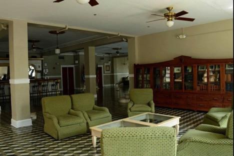 Second floor, main lobby sitting