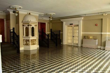 Third floor lobby/balcony