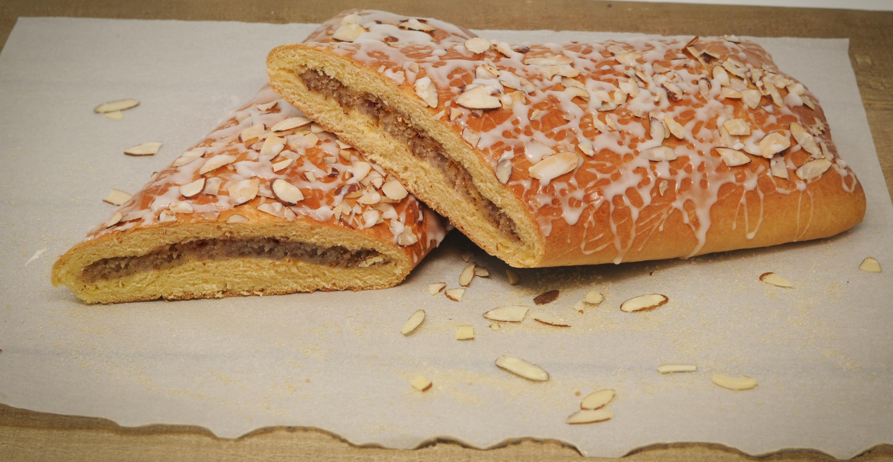 Almond Coffecake