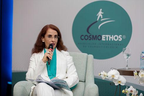 Apresentação no Simpósio Internacional de Cosmoeticologia - Cosmoethos