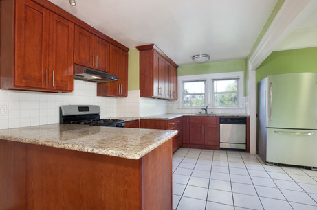 4069 Lincoln Kitchen.jpg
