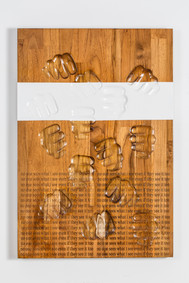 No one sees what i see Even if they see it too carved wood 68X46X5cm