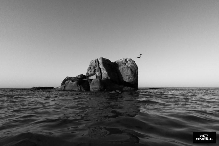 Bombie Rock | Meelup Beach