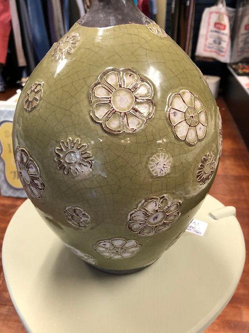 Urn/Flower Vase