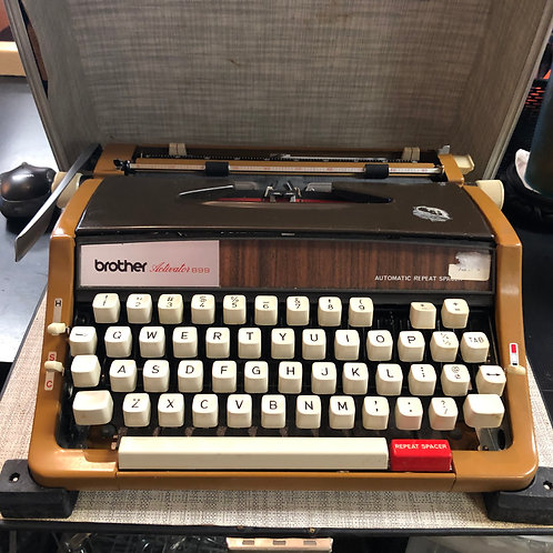 Vintage Brother Activator 899 Typewriter (1970s)