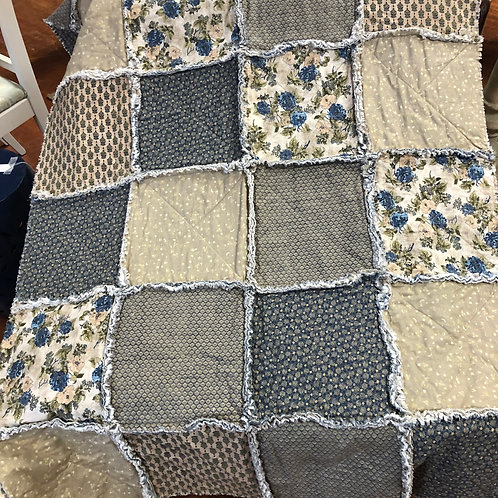 Shades of blue rag quilt