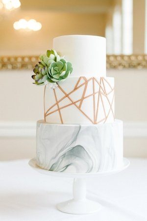 Marbled+Cake+with+Sugar+Succulents+and+Rose+Gold+Geometric+Details