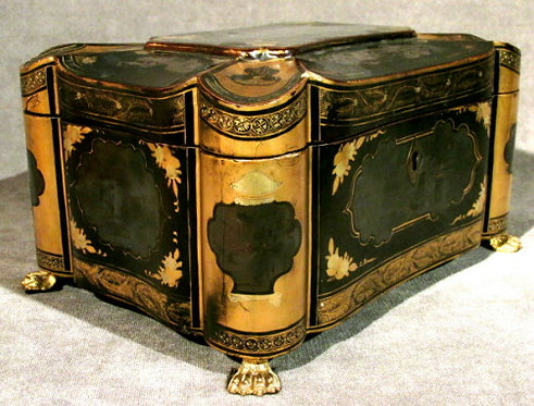 An Early 19th Century Chinese Export Lacquer & Gilt Decorated Tea Caddy, Canton