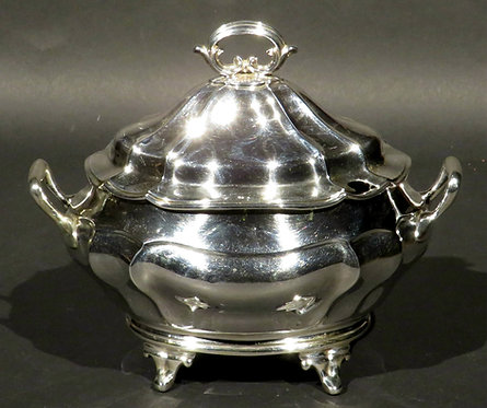 An Edwardian Period Sterling Silver Sauce Tureen, Hallmarked London 1903