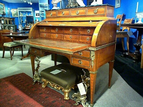 An exceptionally fine 19th century bureau a' cylindre