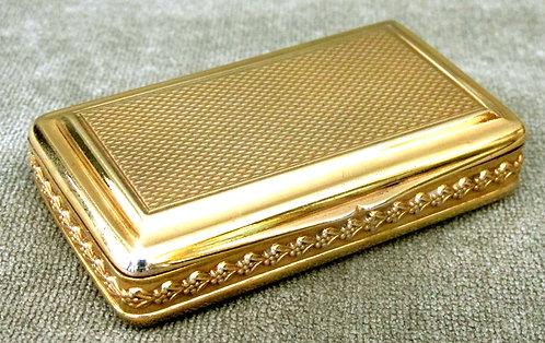A Very Fine & Heavy George III Silver-Gilt Snuff Box by Daniel Hockley, London