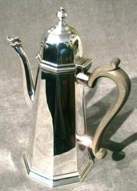 A Very Good George I Style Sterling Silver Coffee Pot, Hallmarked Edinburgh 1909