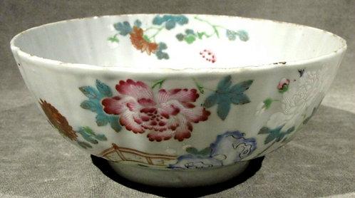 A Fine 18th Century Chinese Export Porcelain & Enamel Bowl, Qianlong Period