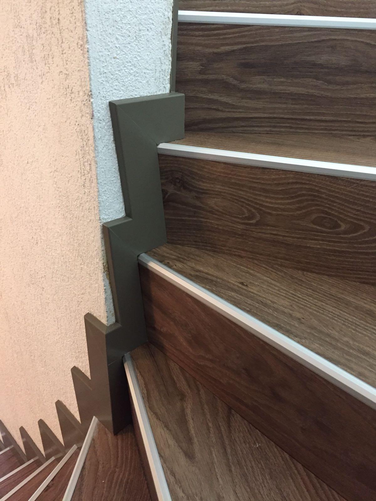 Farbig 60/10 mm auf Runde Treppe