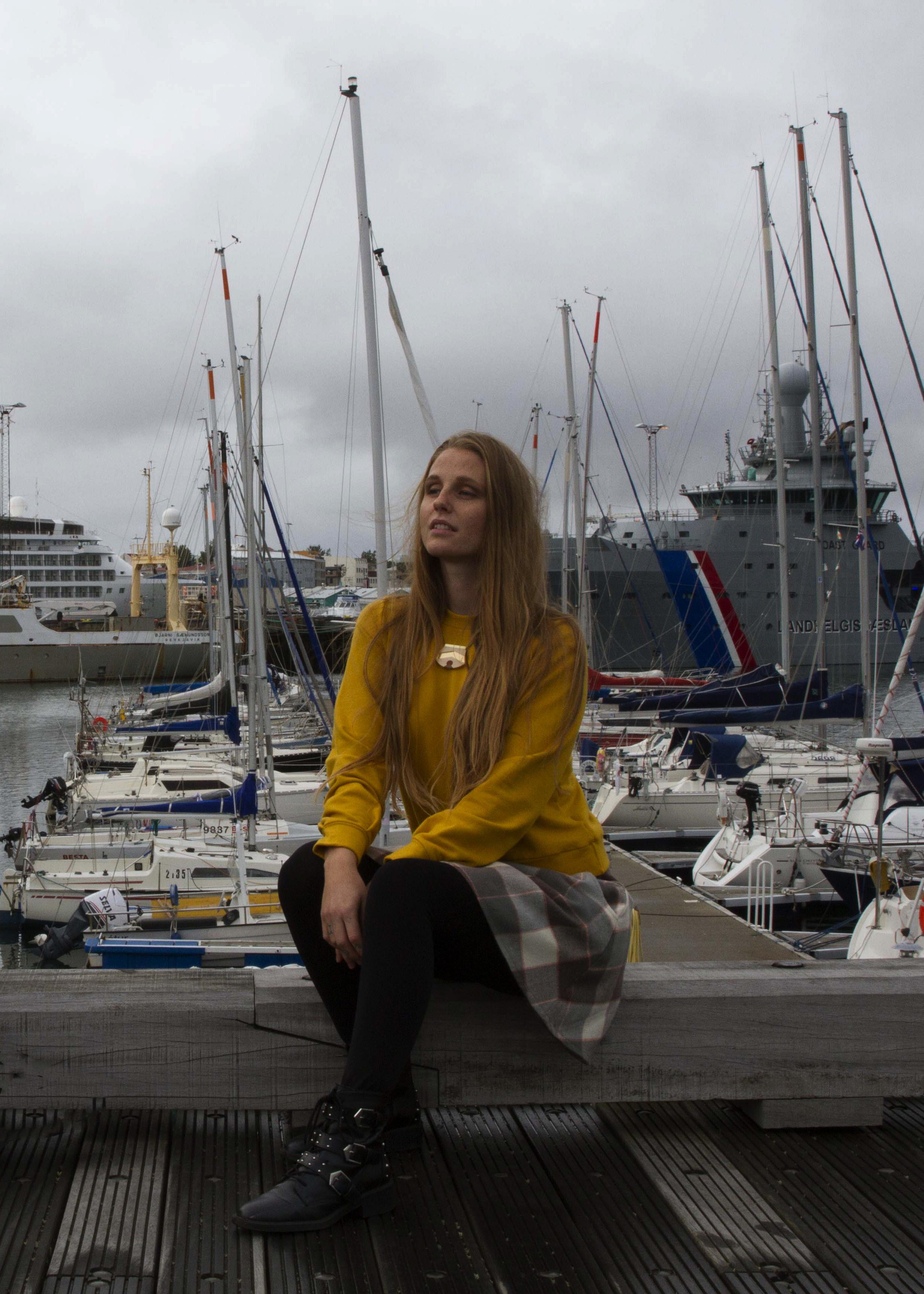 Runa sweatshirt, Katrin skirt