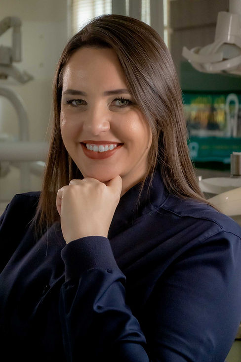 Dra Cristina Marques - Dentista.jpg