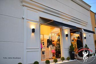 fachada-de-loja-estilo-classico-Amici-Bo