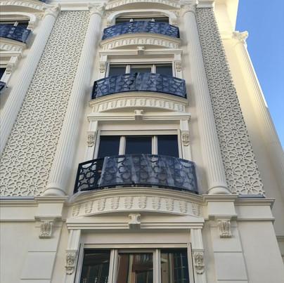 Coluna-mão-francesa-guarnição-de-janela-