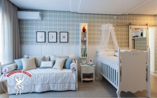 Boiserie-quarto-menino-papel-de-parede-xadrez-provençal