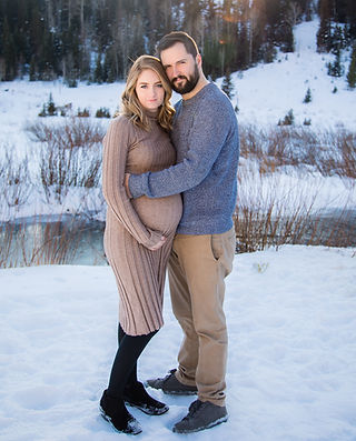 Winter Maternity Photos _ Utah Maternity