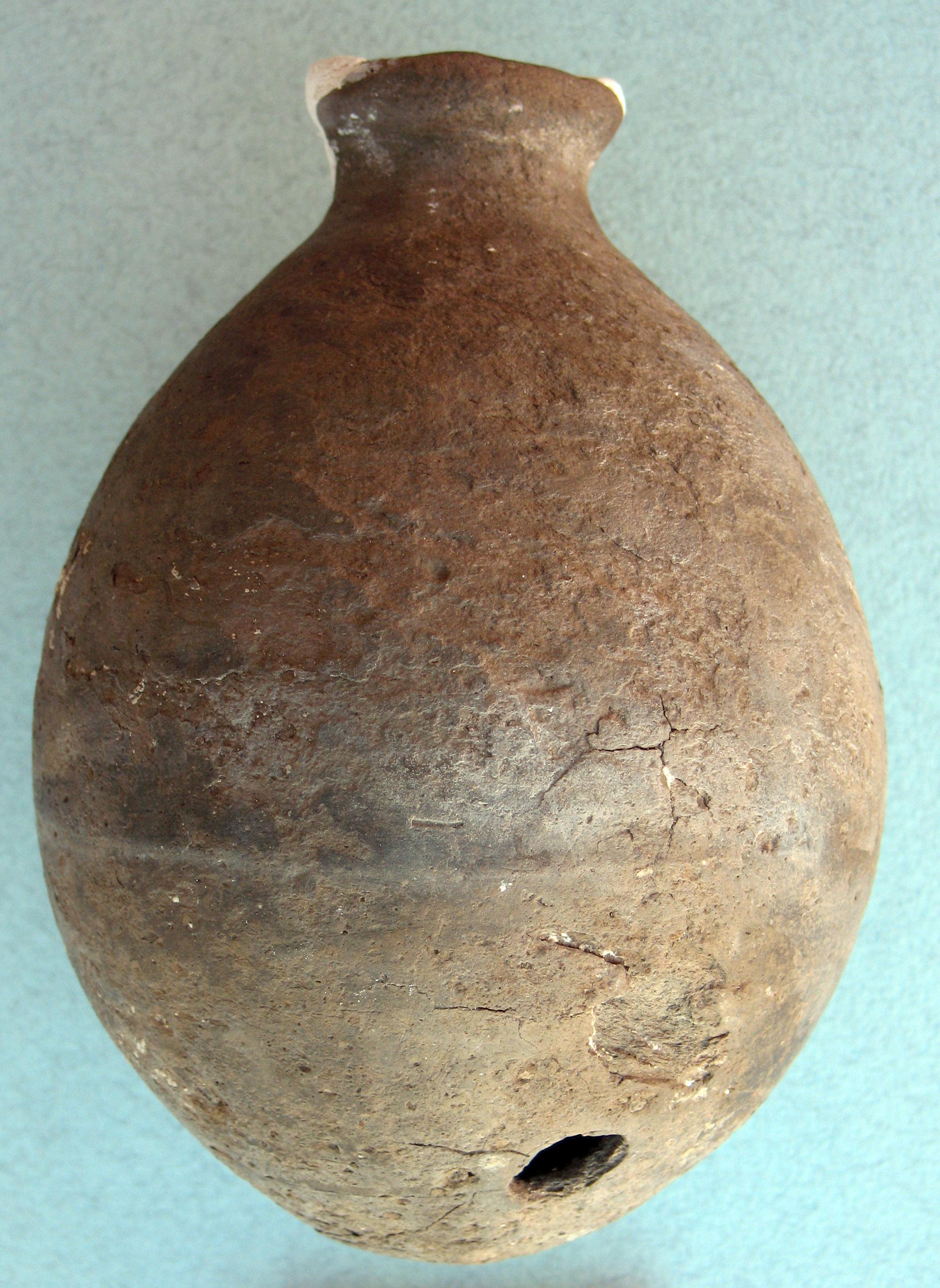 Mezopotamya kökenli bir şişe örneği