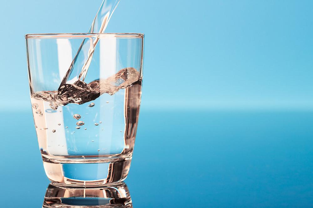 Φιλτραρισμένο νερό απαλλαγμένο από χλώριο και παθογόνα