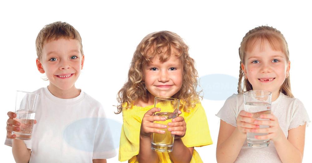 KARMA Water Filters - Παιδιά & Αφυδάτωση. Το νερό είναι απαραίτητο στοιχείο και θα πρέπει να είναι πεντακάθαρο και υγιεινό.