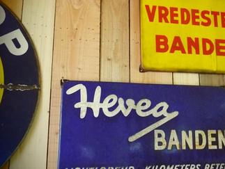 Vitesse Vintage Automobilia
