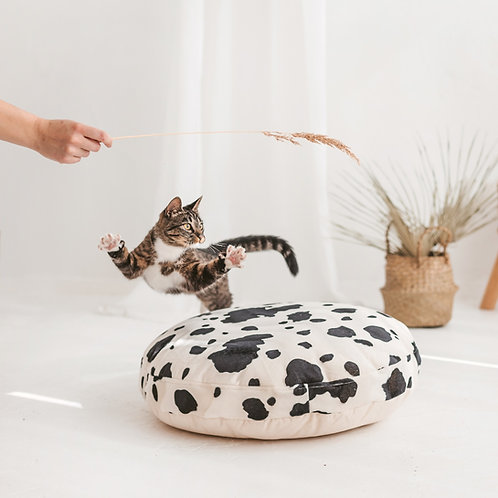 Soft Faux Fur Cat Bed with Cow Print - Comfy Pets Bedding - Cats' Deep Sleep Cushion