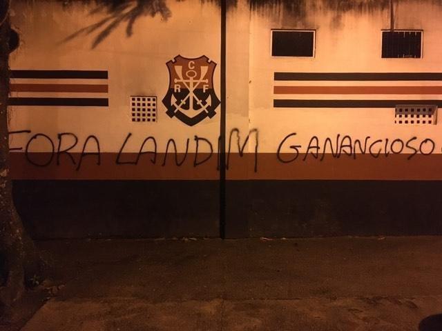 Sede do Flamengo pichada