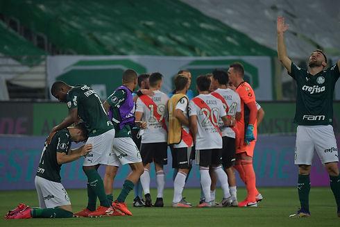 Jogadores do Palmeiras comemorando class