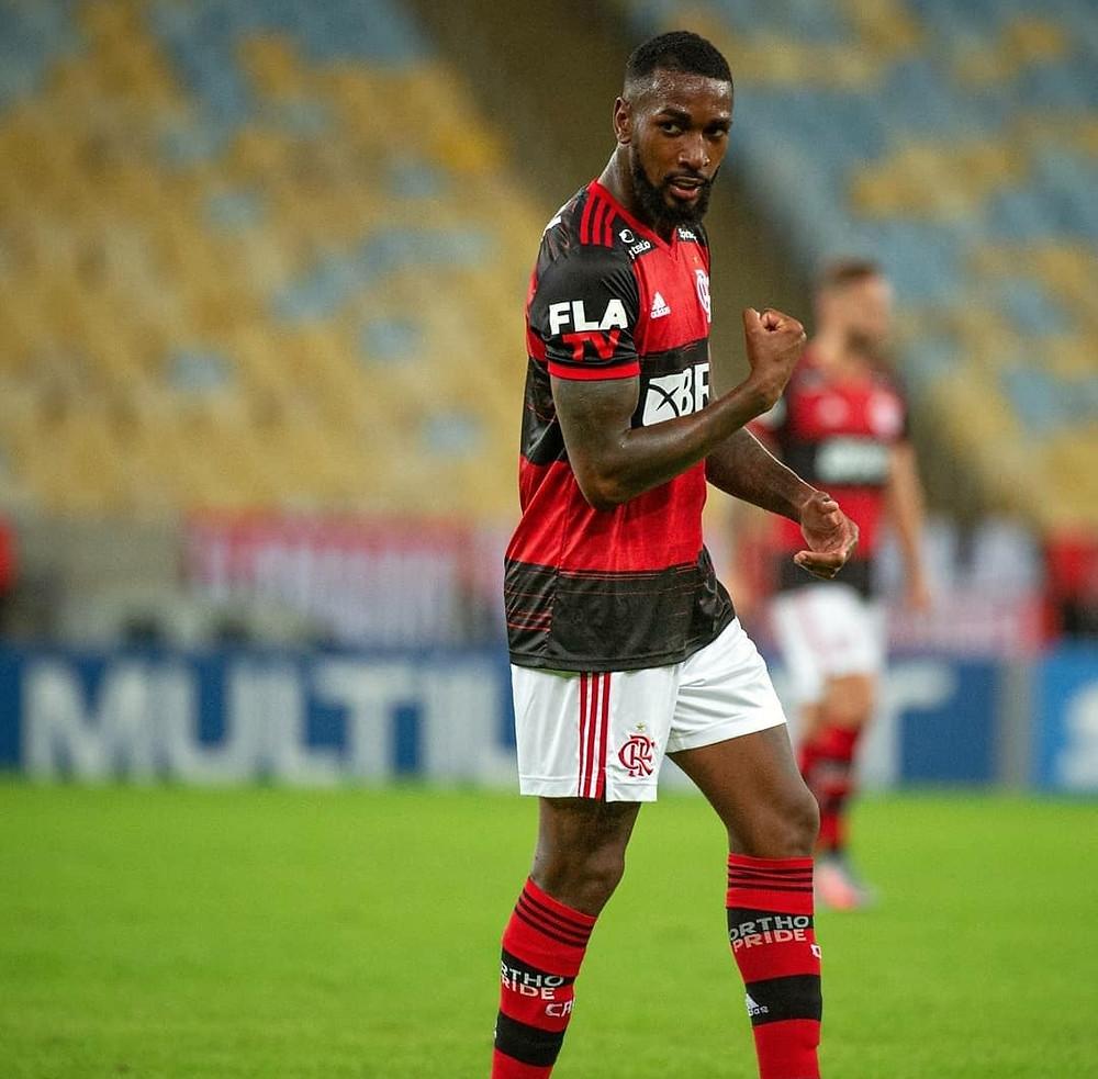 Gerson comemora o segundo gol do Flamengo.