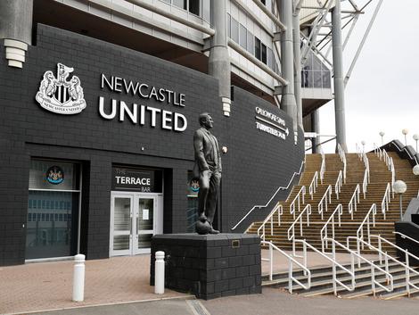 Um novo rico no futebol europeu: Newcastle é comprado por fundo de investimento da Arábia Saudita