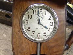 insideoftoe_board_clock.jpg