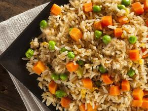 Ρύζι με ντομάτες και αρακά