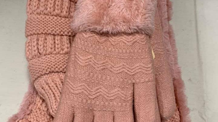 Women's Hat/Scarf/Glove Set